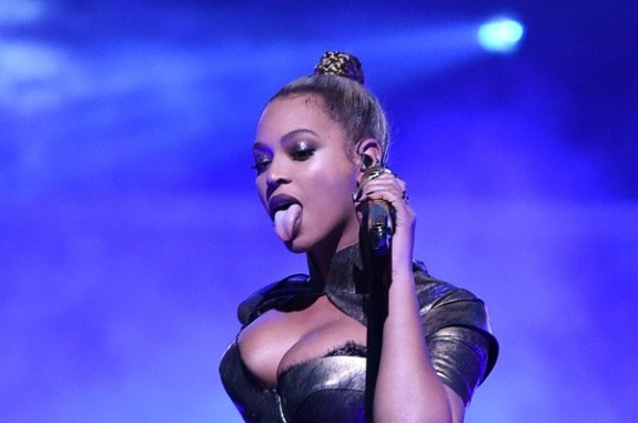 beyonce_abre_gettyimages-614921618