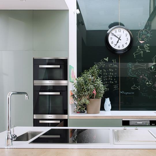 chef-inspired-kitchen-design-films-miele-_dezeen_2364_col_1