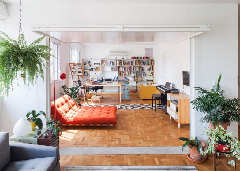 01-apartamento-de-ilustradora-se-torna-aberto-e-iluminado