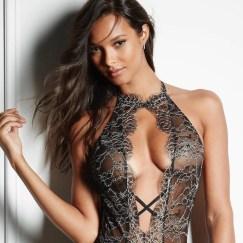 Lais Ribeiro em campanha para a Victoria's Secret