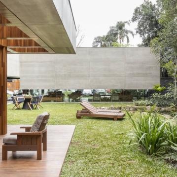 Isay Weinfeld Com mais de 1000 m², trata-se do primeiro projeto do gênero assinado pelo arquiteto paulistano, o que acentua ainda mais a curiosidade em torno da obra. Foto: Ricardo Bassetti/Divulgação