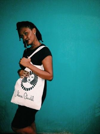 A bolsa tem o logo da Maria Chantal, por R$ 35