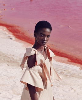 aamito-lugum-by-daniel-riera-for-harpers-bazaar-december-2016-3