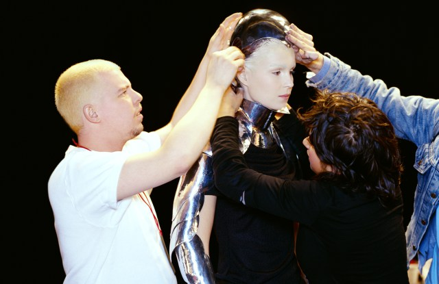 'Unseen' Backstage Alexander McQueen photos from the new Robert Fairer Book.