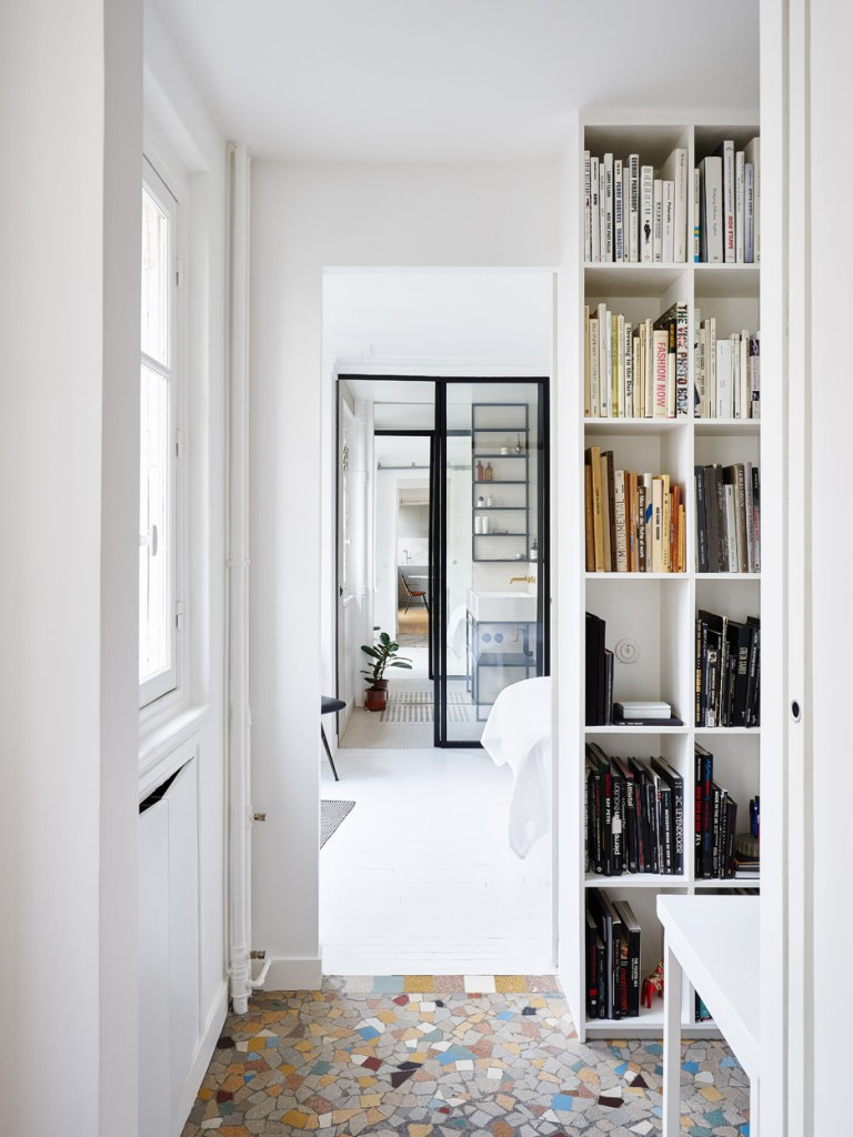 hubert-septembre-apartment-renovation-paris_dezeen_936_6-768x1024