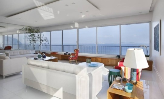 Outro ângulo da sala de estarFoto: MCA Studio/Divulgação