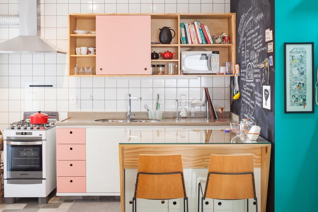 oscar-freire-apartment-claudia-bresciani-julia-risi-sao-paulo-brazil-pedro-vannucchi_dezeen_2364_col_3.jpg