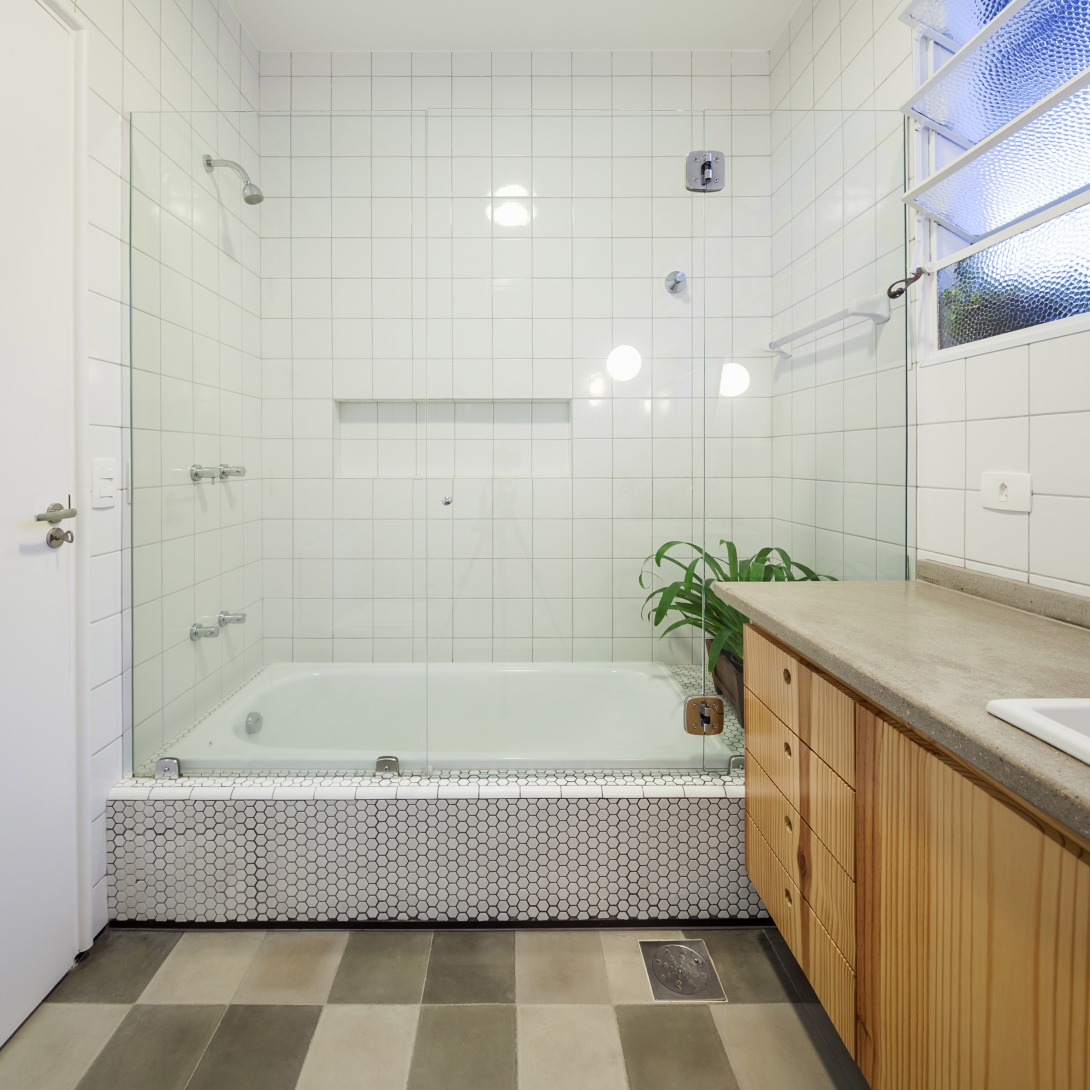oscar-freire-apartment-claudia-bresciani-julia-risi-sao-paulo-brazil-pedro-vannucchi_dezeen_2364_col_7.jpg
