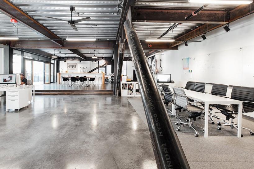 02-escritorio-em-seattle-se-divide-entre-espacos-de-trabalho-e-de-lazer