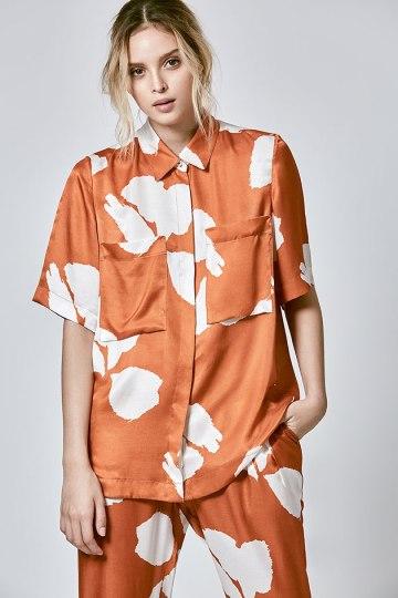 Essas peças são da nova coleção - a camisa (R$ 328) e a calça (R$ 458) são supersoltinhas e confortáveis!