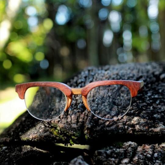 Tem óculos de grau também (R$ 485)