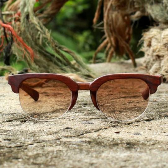A madeira desse é de jatobá na versão escura (R$ 485). Gostou?