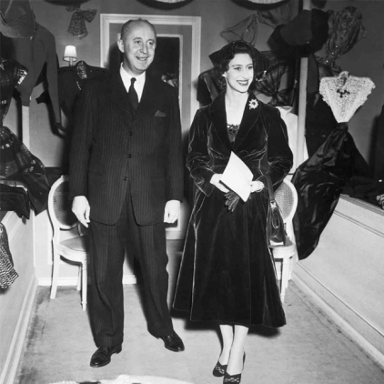 A princesa Margaret e Christian Dior, em Paris