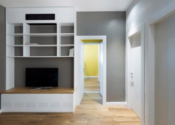 family-apartment-studio-raanan-stern_dezeen_2364_ss_10-1024x732