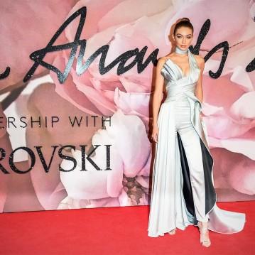 gigi-the-fashion-awards-2016-red-carpet_abre_2