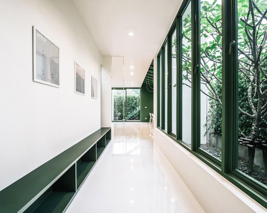 green-26-anonymstudio-workspace-lounge-bangkok-thailand_dezeen_936_0