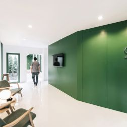 green-26-anonymstudio-workspace-lounge-bangkok-thailand_dezeen_936_1