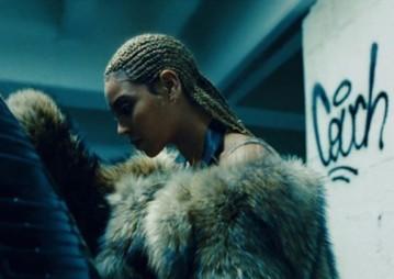 """E ela também assina os penteados do novo álbum """"Lemonade"""" - incluindo essas tranças de raiz incríveis"""