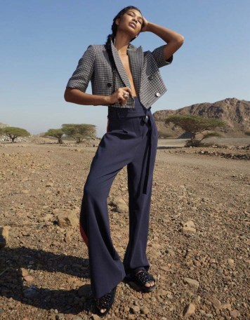 emirates-woman-january-2017-chanel-iman-by-louis-christopher-03