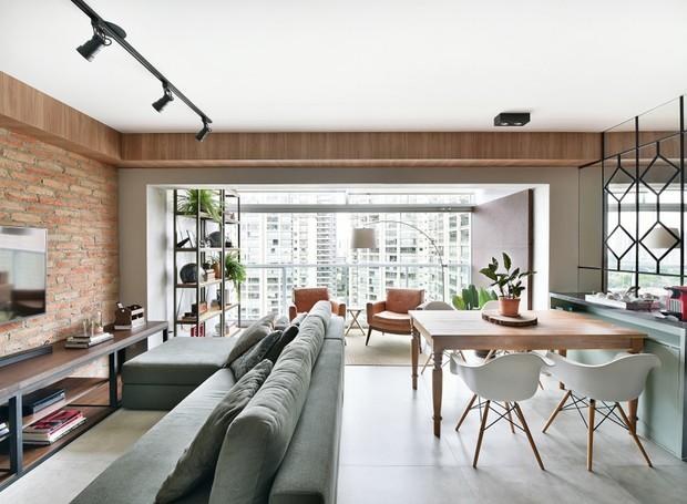 sala-living-varanda-mesa-de-jantar-cadeiras-sofa