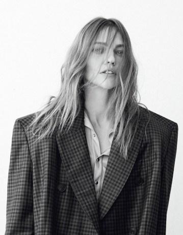 vogue-korea-february-2017-sasha-pivovarova-by-peter-ash-lee-04