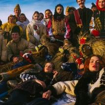 vogue-ukraine-january-2017-by-elizaveta-porodina-5