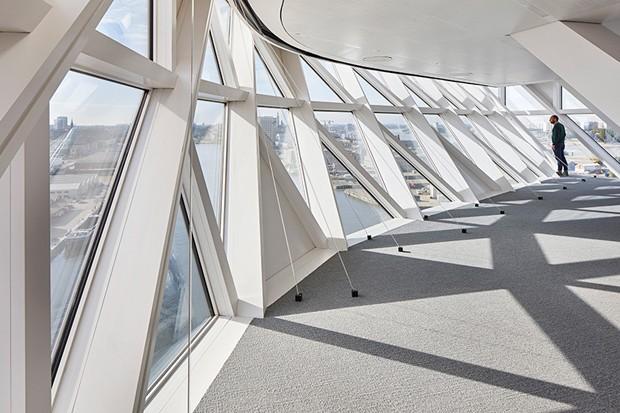 zaha-hadid-architects-port-house-antwerp-belgium-designboom-04
