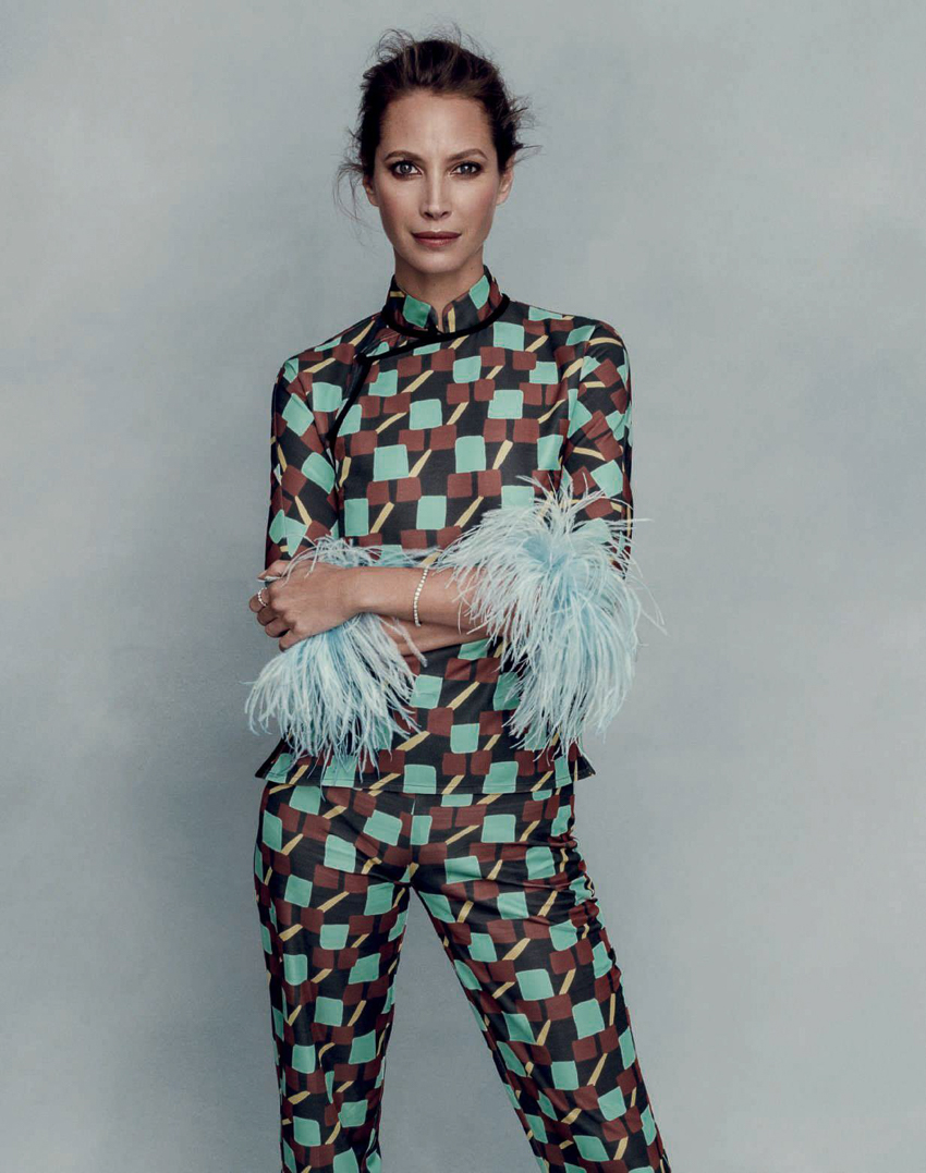 harpers-bazaar-spain-march-2017-christy-turlington-by-norman-jean-roy-3