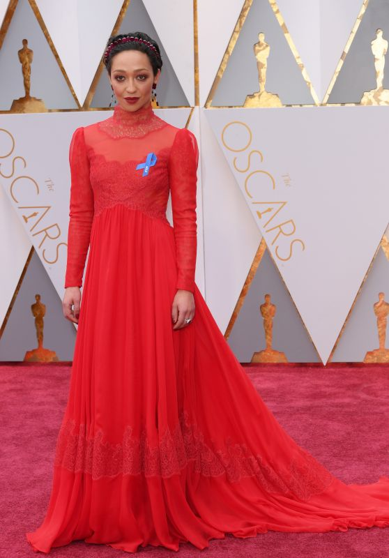 ruth-negga-oscars-2017-red-carpet-in-hollywood-1_thumbnail