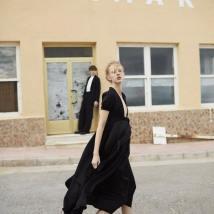 Harpers-Bazaar-Russia-April-2017-Franzi-Frings-by-Agata-Pospieszynska-2