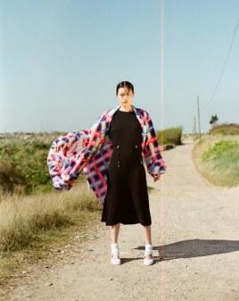 Harpers-Bazaar-Vietnam-May-2017-Yudu-Zeng-by-Onin-Lorente-7
