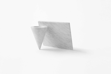 Vaso cônico Lean, para a Marsotto Edizioni. Foto: Akiro Yoshida
