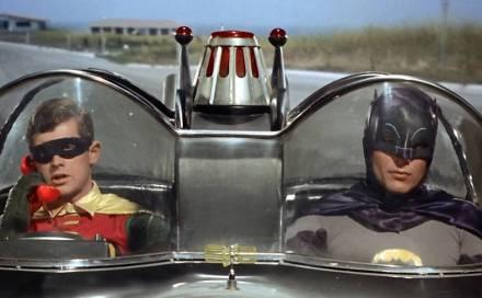 """A aposta da série """"Batman"""" era o humor e a violência zero"""