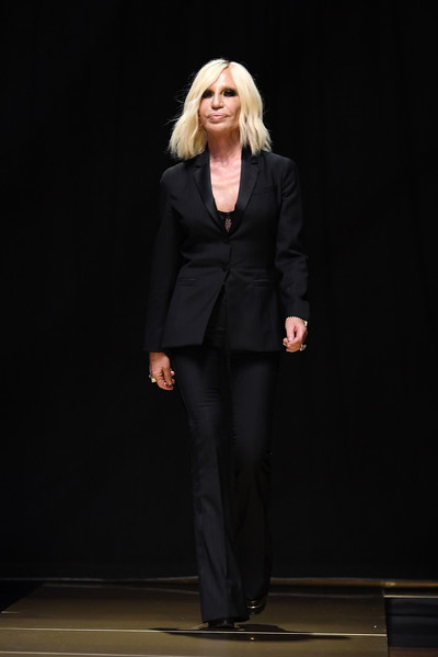 Donatella Versace Atelier+Versace+Runway+Paris+Fashion+Week+BZ7nRef58Tbl