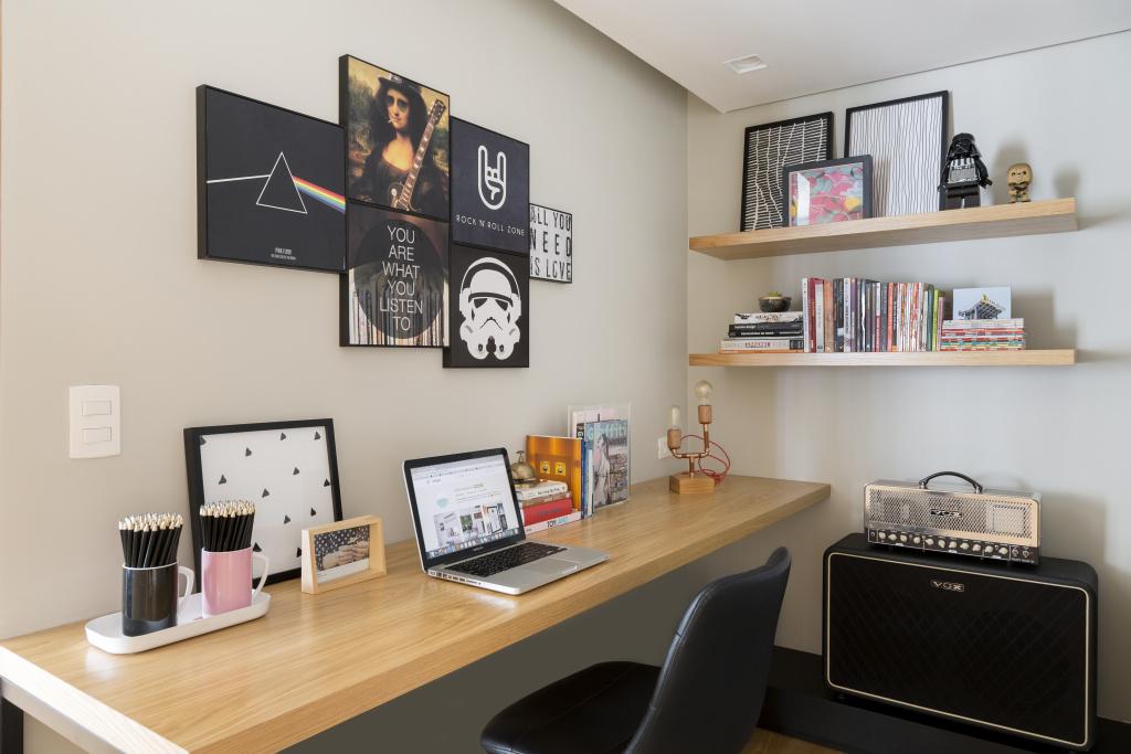 1-home-office-com-dc3a9cor-inspirado-no-rock-e-influc3aancias-geek