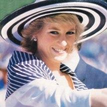 Chapéus também sempre estavam nos melhores looks dela