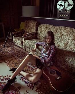Barbora-Podzimkova-Harpers-Bazaar-Czech-Andreas-Ortner-1-2