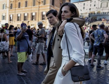 Vogue-Italia-September-2017-Saskia-de-Brauw-Othilia-Simon-Inez-Vinoodh-3-2