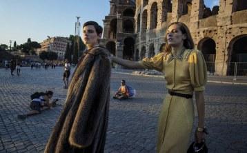 Vogue-Italia-September-2017-Saskia-de-Brauw-Othilia-Simon-Inez-Vinoodh-4