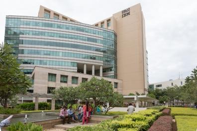 O edifício da IBM no Manyata Tech Park, em Bangalore. (Philippe Calia para The New York Times)