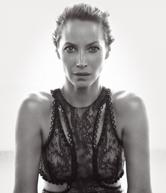 christy-turlington-580x673