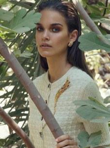Harpers-Bazaar-Arabia-Gara-Arias-Francesco-Vincenti-3