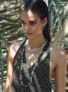 Harpers-Bazaar-Arabia-Gara-Arias-Francesco-Vincenti-6