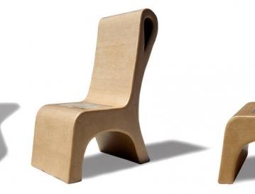 Cadeira de papelão da Lolo Carton Foto: Oséias Barbosa