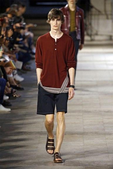 Na Hermès a barra recebe um pesponto bem delicado