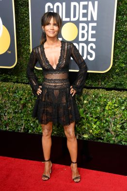 BEVERLY HILLS, CA - JANUARY 07: Halle Berry attends The 75th Annual Golden Globe Awards at The Beverly Hilton Hotel on January 7, 2018 in Beverly Hills, California. (Photo by Frazer Harrison/Getty Images)
