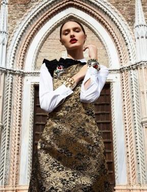 Glamour-Mexico-January-2018-Denisa-Kucik-Enrique-Vega-3