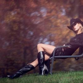 hailey-baldwin-fashion-editorial1399e5c3fcb51dc0d7bf7771b08915e4d5_thumb