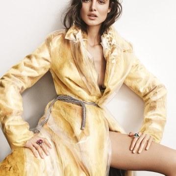 Harpers-Bazaar-Turkey-January-2018-Blanca-Padilla-Tom-Schirmacher-6