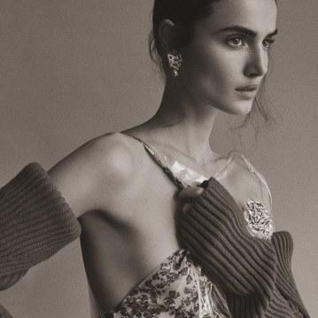 Harpers-Bazaar-Turkey-January-2018-Blanca-Padilla-Tom-Schirmacher-7